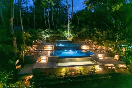 pool_at_night_750_500